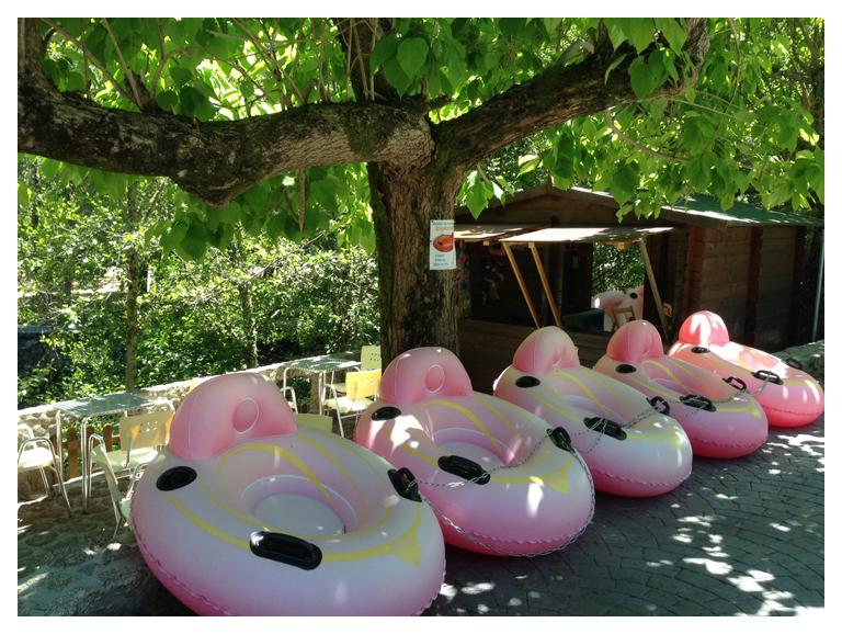 Camping De Montana En Maceira Covelo Pontevedra Galicia Con Bungalows Playa Actividades Para Ninos